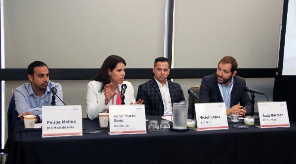 Felipe Molina, Anne Marie Dono, Victo López y Andy Bermanred2